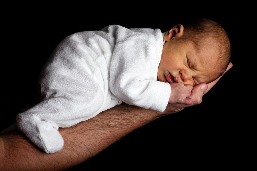 Jak powstaje modyfikowane mleko dla noworodka?
