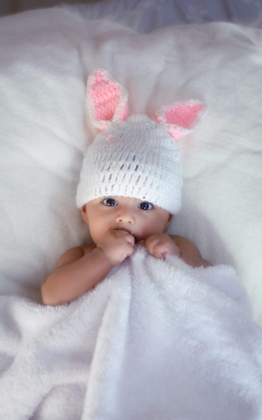 Kokon niemowlęcy – czy jest potrzebny w dziecięcej wyprawce?